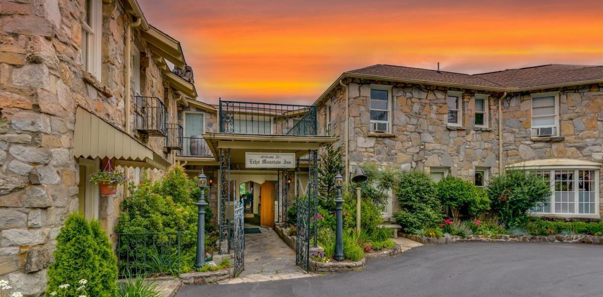 Echo Mountain Inn